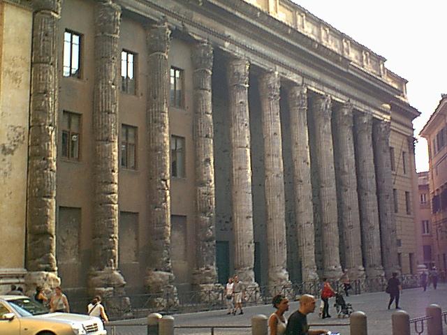 Piazza di Pietra - 1999-08-01-182915