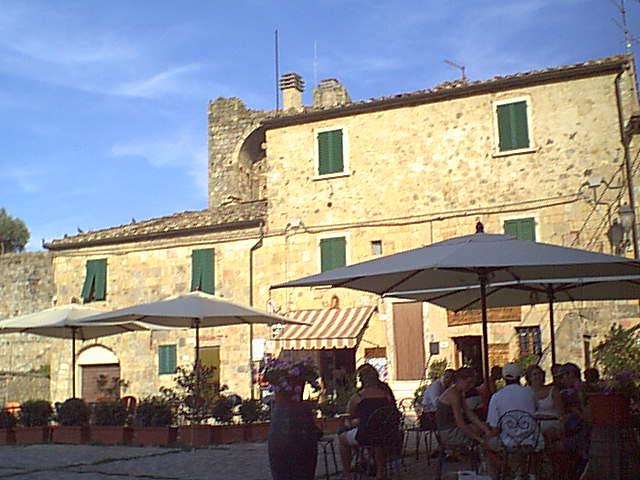 Monteriggioni - 2000-08-24-175155