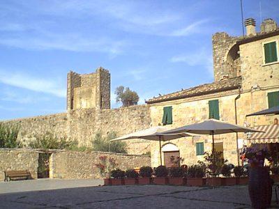 Monteriggioni - 2000-08-24-175157