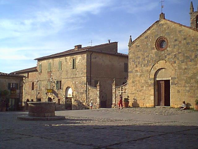 Monteriggioni - 2000-08-24-175206