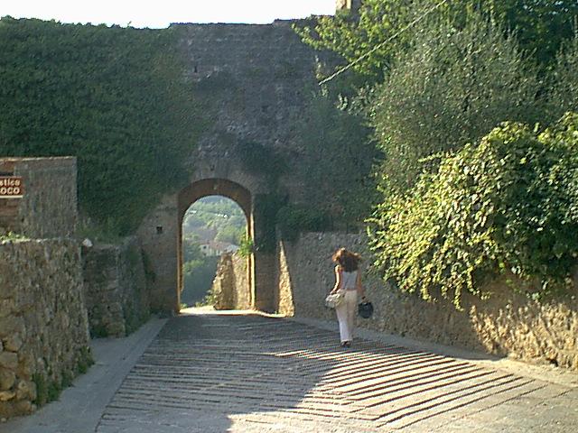 Monteriggioni - 2000-08-24-180745