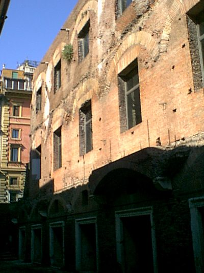 Markets of Trajan - 2000-09-01-160111