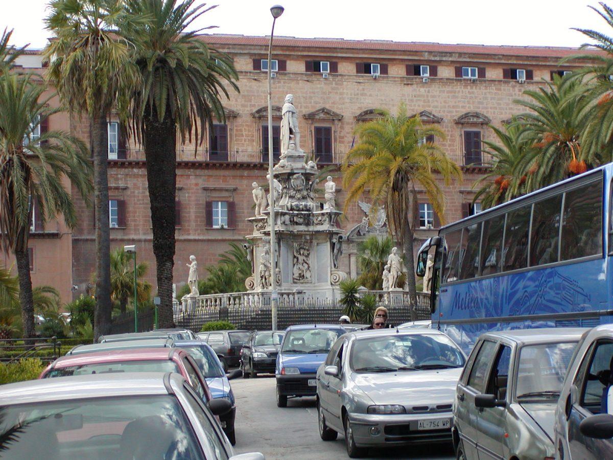 Piazza del Parliamento - 2001-09-12-123810
