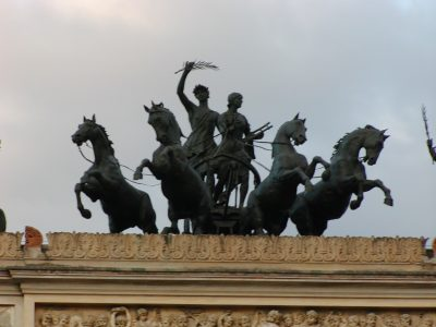 Piazza Castelnuovo - 2001-09-12-190454