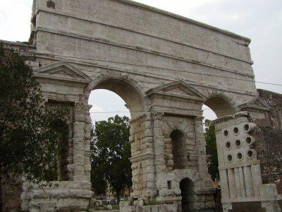 Piazza di Porta Maggiore - 2002-08-31-182014