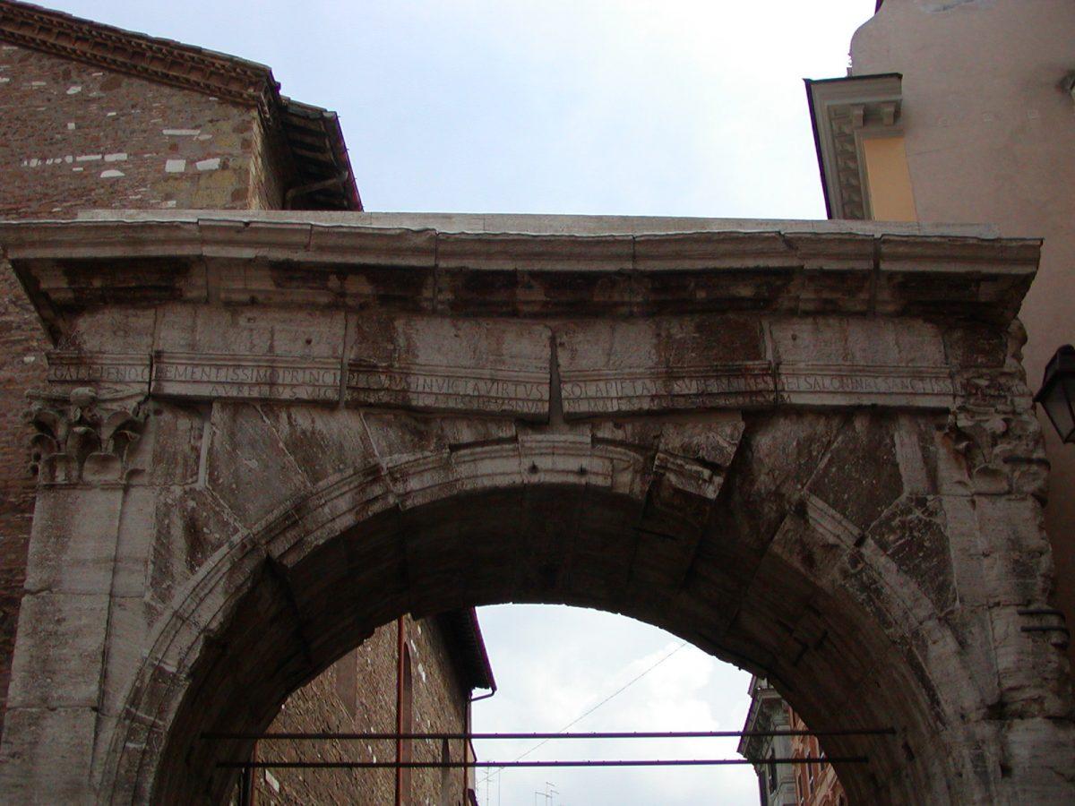Arch of Gallienus - 2002-09-04-124931