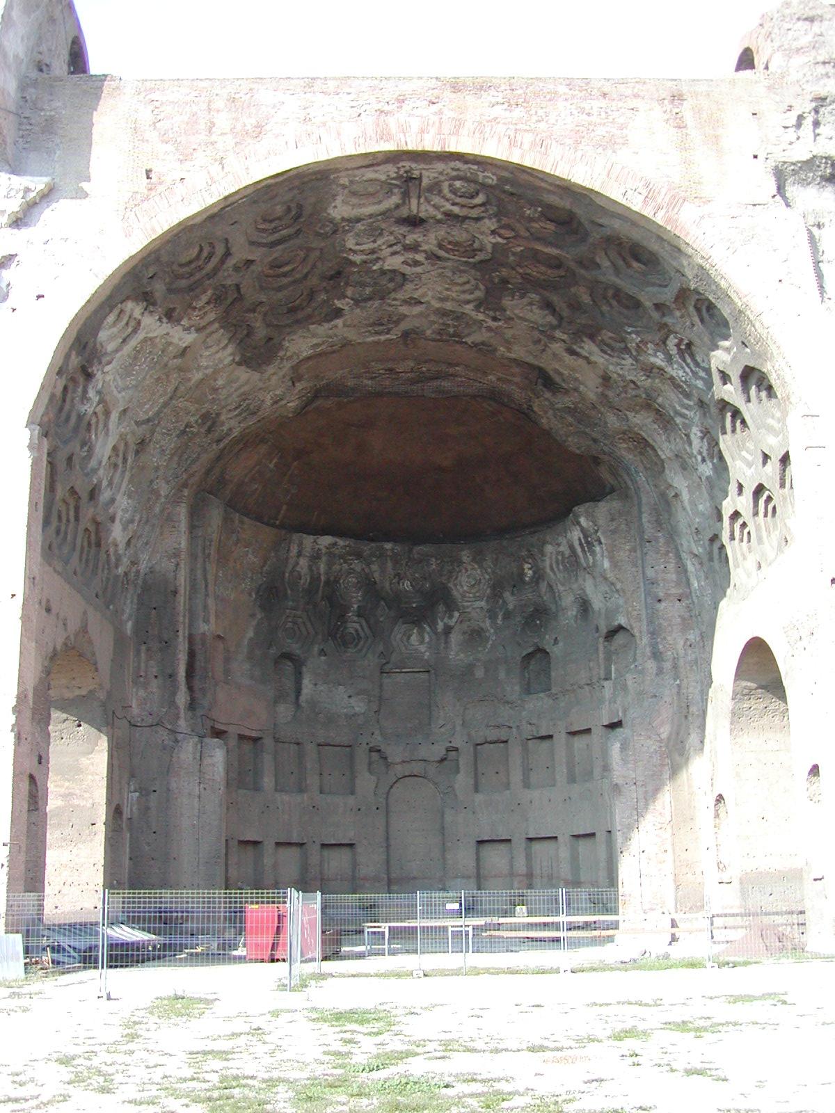 Basilica of Maxentius - 2002-09-04-165244