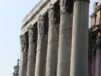 Grooves in the columns of the Temple of Antoninus and Faustina