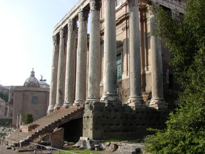 Temple of Antoninus and Faustina - 2002-09-04-170759