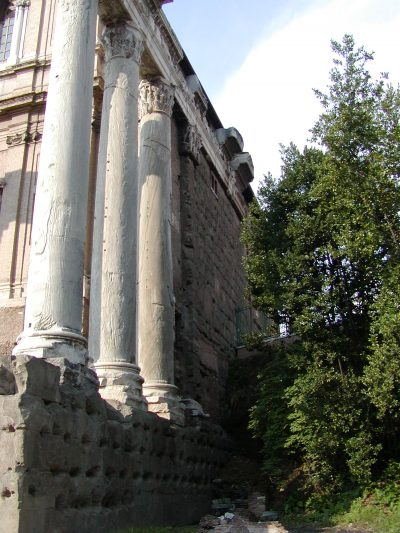 Temple of Antoninus and Faustina - 2002-09-04-170853