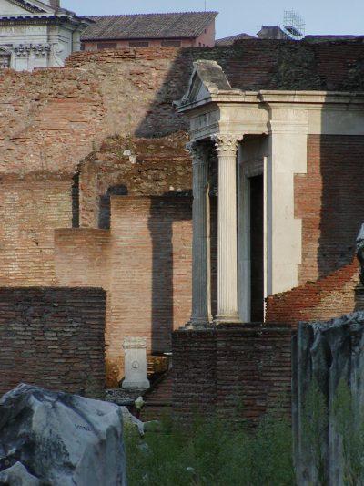 Forum Romanum - The aedicula of the Spring of Juturna