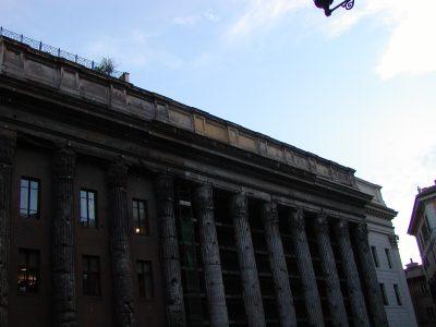 Piazza di Pietra - 2002-09-06-190937
