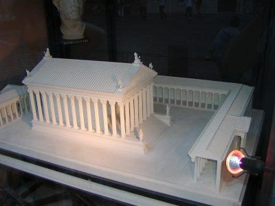 Piazza di Pietra - 2002-09-06-191212