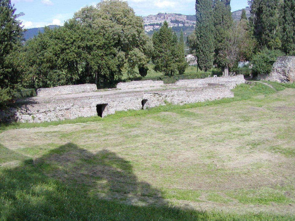 Hadrian's Villa - 2002-09-08-152422