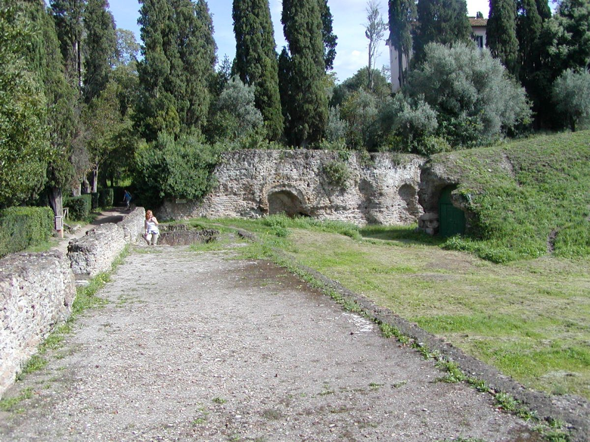 Hadrian's Villa - 2002-09-08-152839
