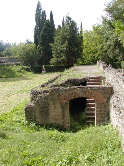 Hadrian's Villa - 2002-09-08-153250