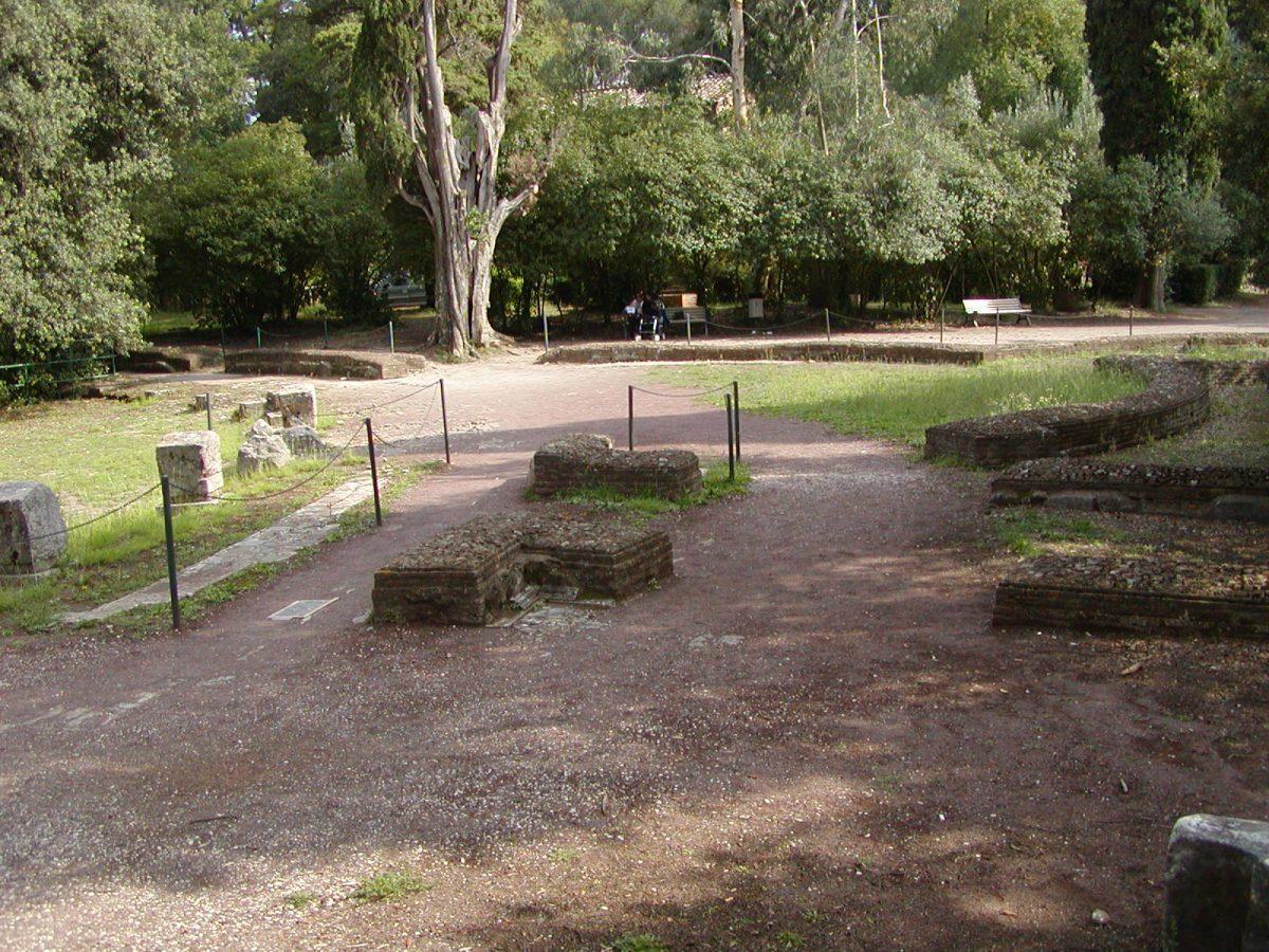 Hadrian's Villa - 2002-09-08-155045