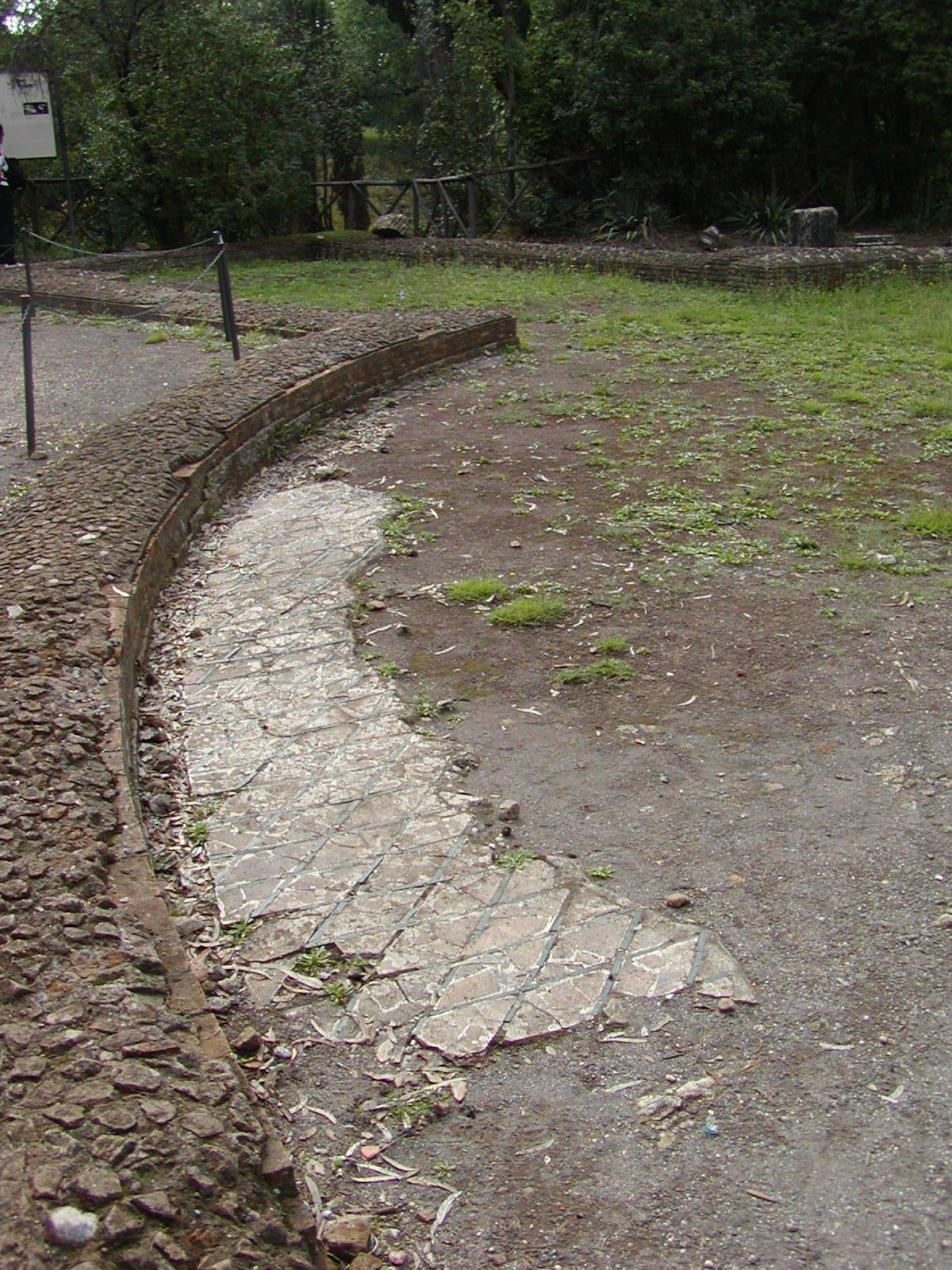 Hadrian's Villa - 2002-09-08-155759