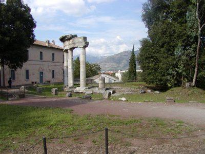 Hadrian's Villa - 2002-09-08-160022