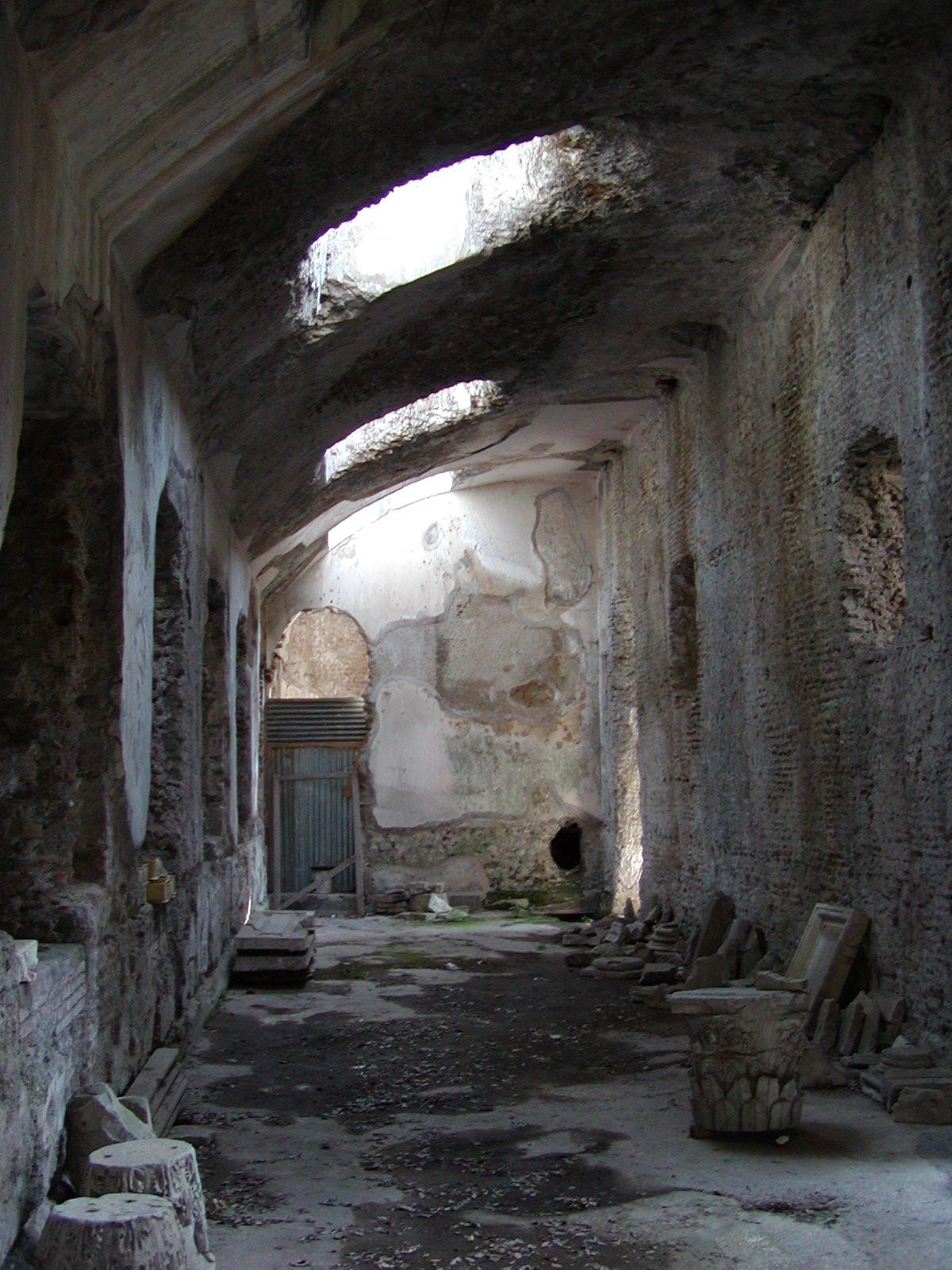 Hadrian's Villa - 2002-09-08-162255
