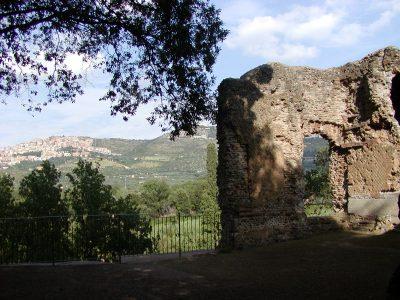 Hadrian's Villa - 2002-09-08-162404