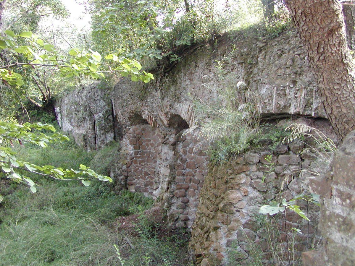 Hadrian's Villa - 2002-09-08-162546