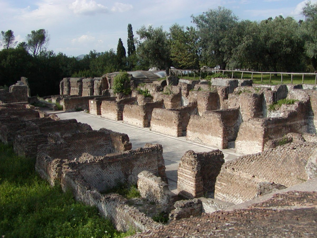 Hadrian's Villa - 2002-09-08-162830