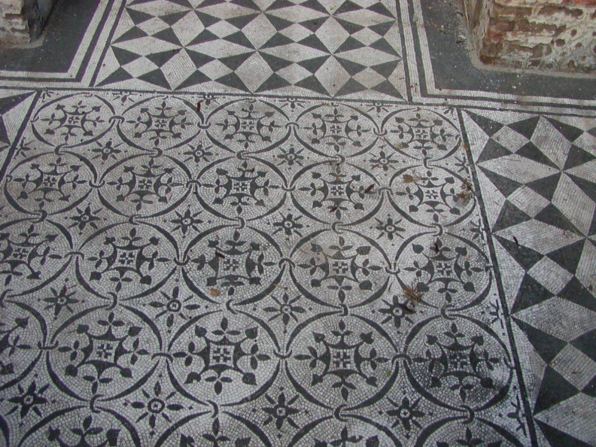 Hadrian's Villa - 2002-09-08-163702