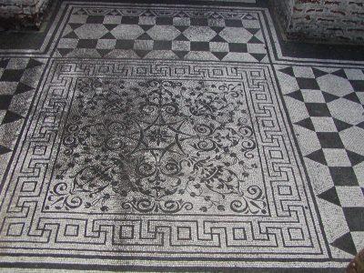 Hadrian's Villa - 2002-09-08-164000