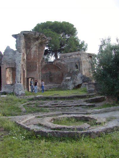 Hadrian's Villa - 2002-09-08-164935