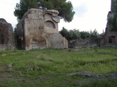 Hadrian's Villa - 2002-09-08-165148