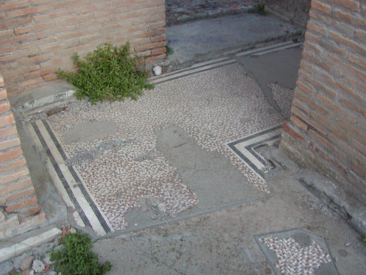 Hadrian's Villa - 2002-09-08-170857
