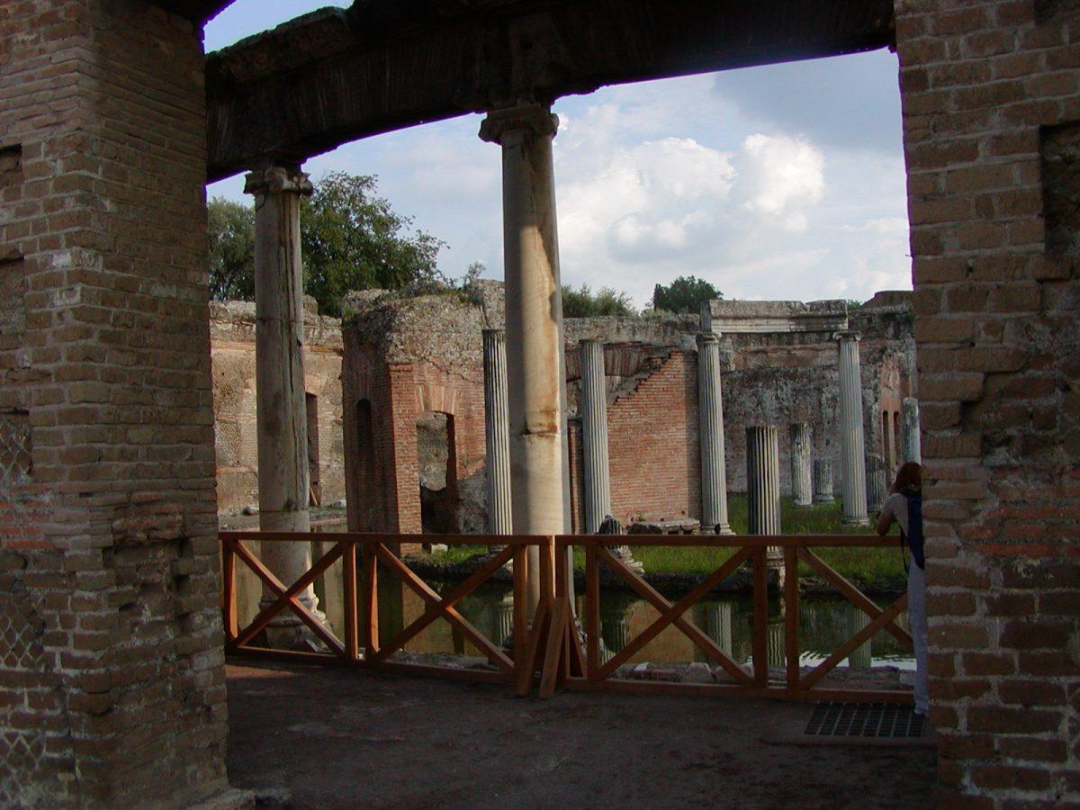 Hadrian's Villa - 2002-09-08-171203