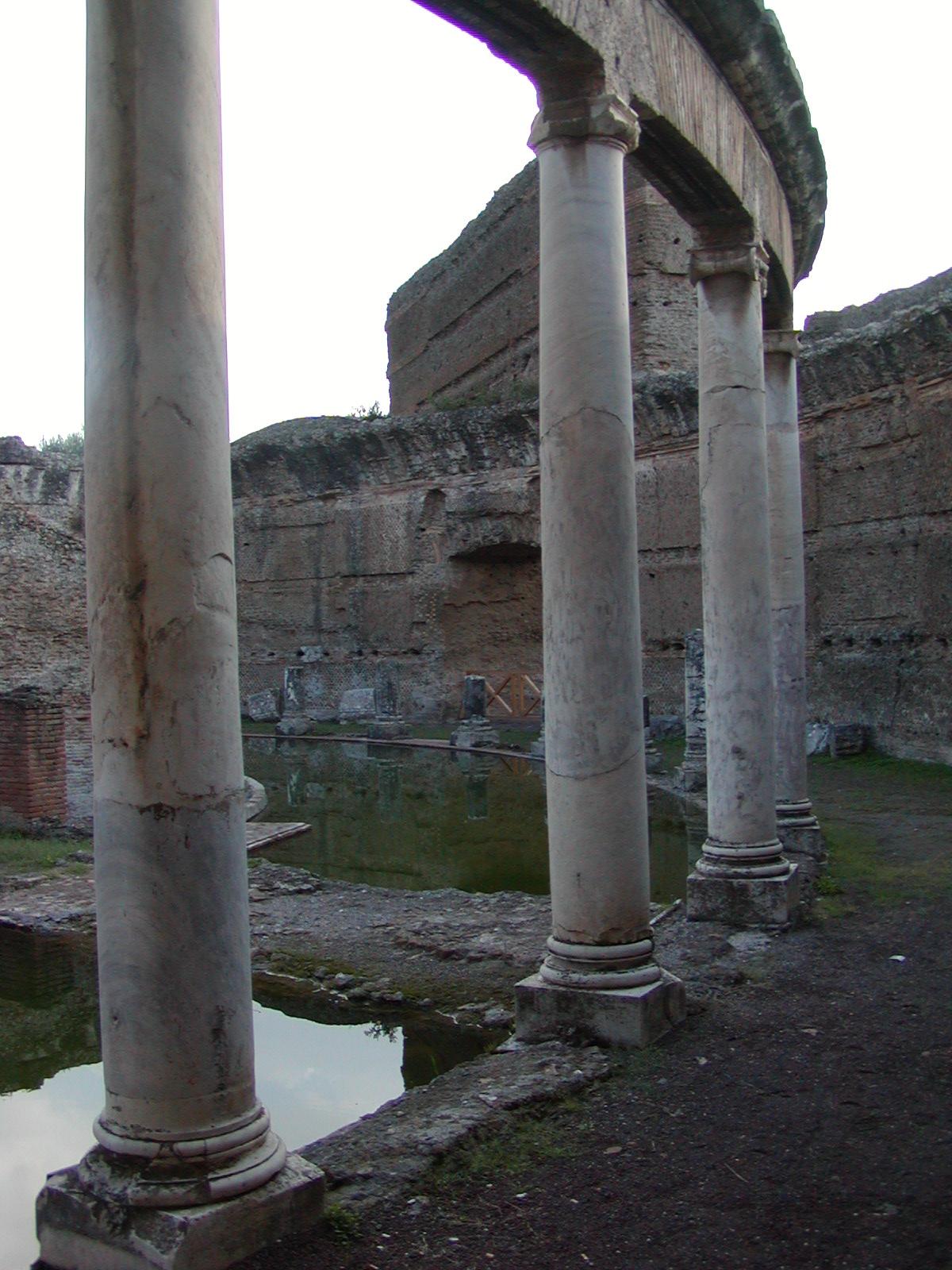 Hadrian's Villa - 2002-09-08-171222