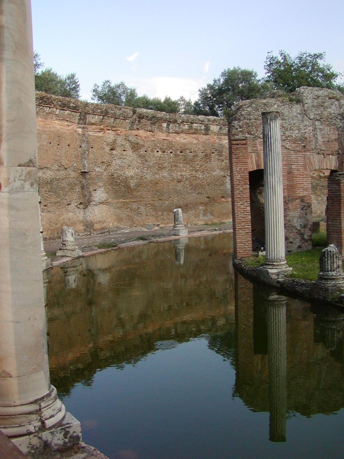 Hadrian's Villa - 2002-09-08-171230
