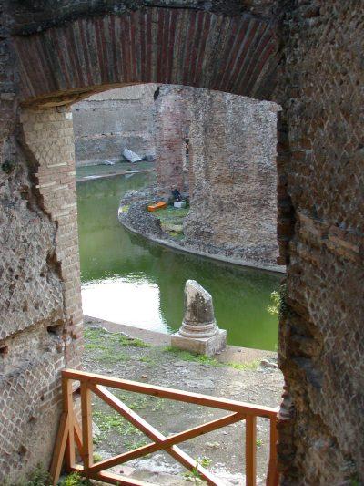 Hadrian's Villa - 2002-09-08-171427