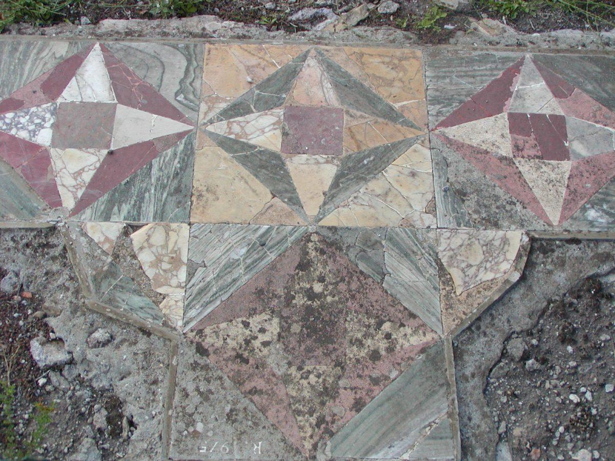 Hadrian's Villa - 2002-09-08-171843