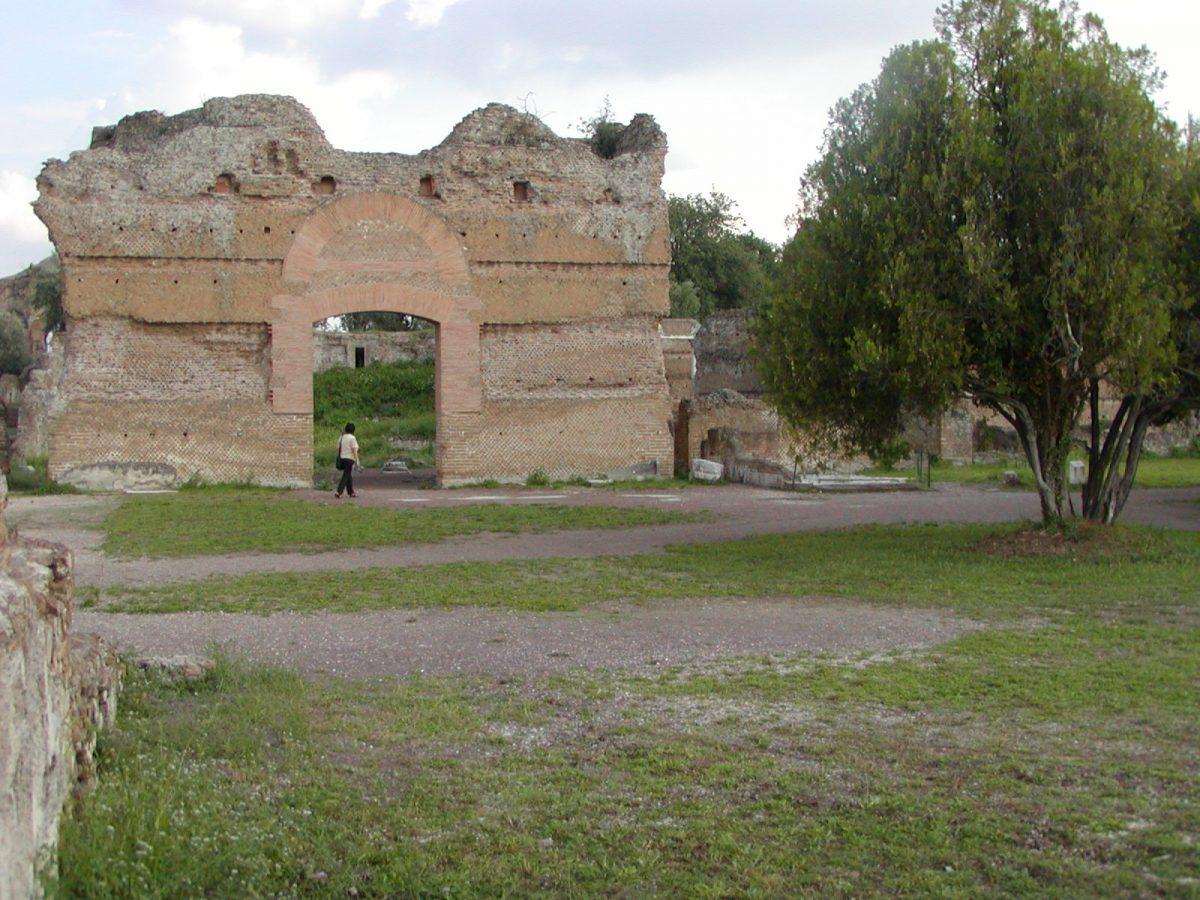 Hadrian's Villa - 2002-09-08-171913