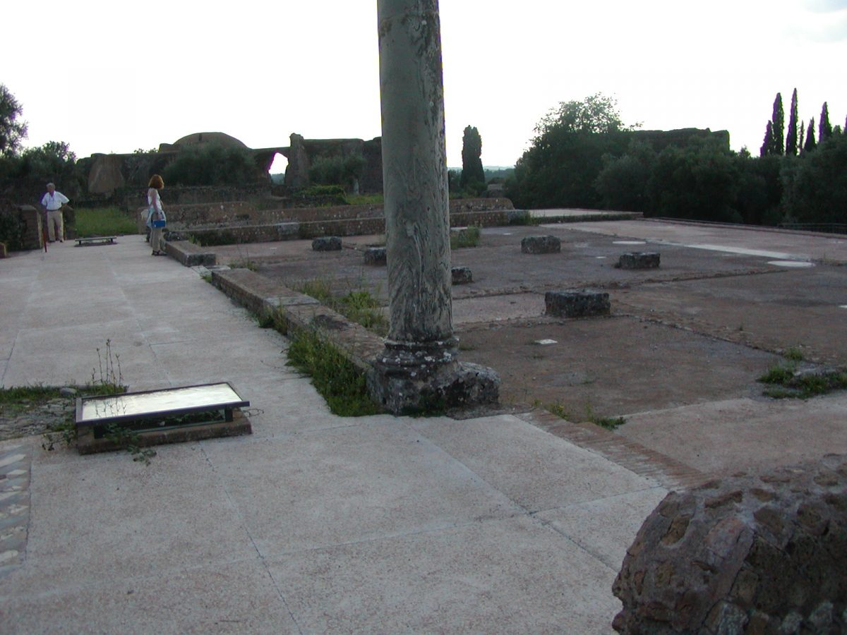 Hadrian's Villa - 2002-09-08-172110