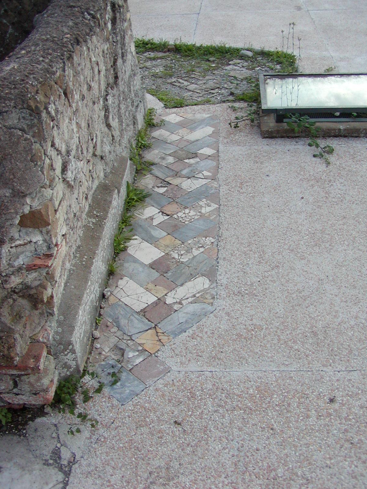 Hadrian's Villa - 2002-09-08-172120