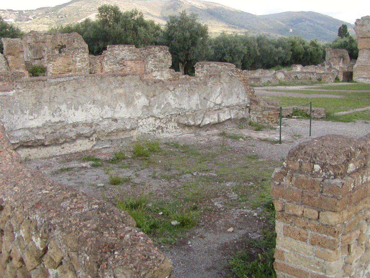 Hadrian's Villa - 2002-09-08-172236