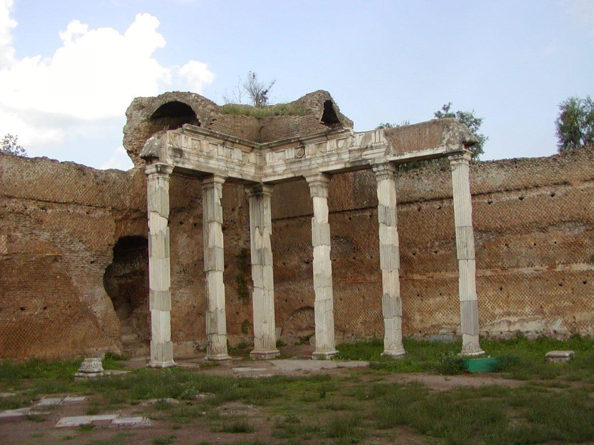 Hadrian's Villa - 2002-09-08-172858