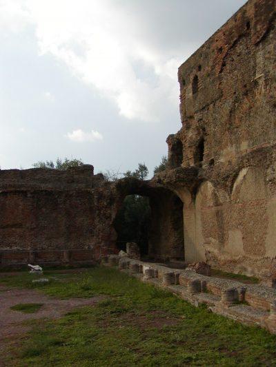 Hadrian's Villa - 2002-09-08-173338