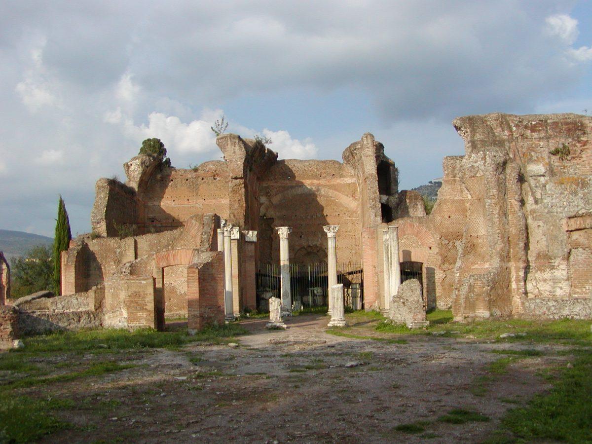 Hadrian's Villa - 2002-09-08-173819