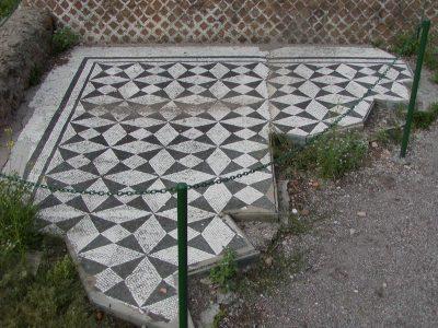 Hadrian's Villa - 2002-09-08-174535