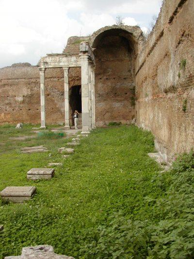 Hadrian's Villa - 2002-09-08-174654