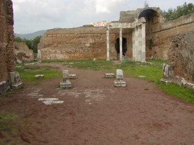 Hadrian's Villa - 2002-09-08-174719