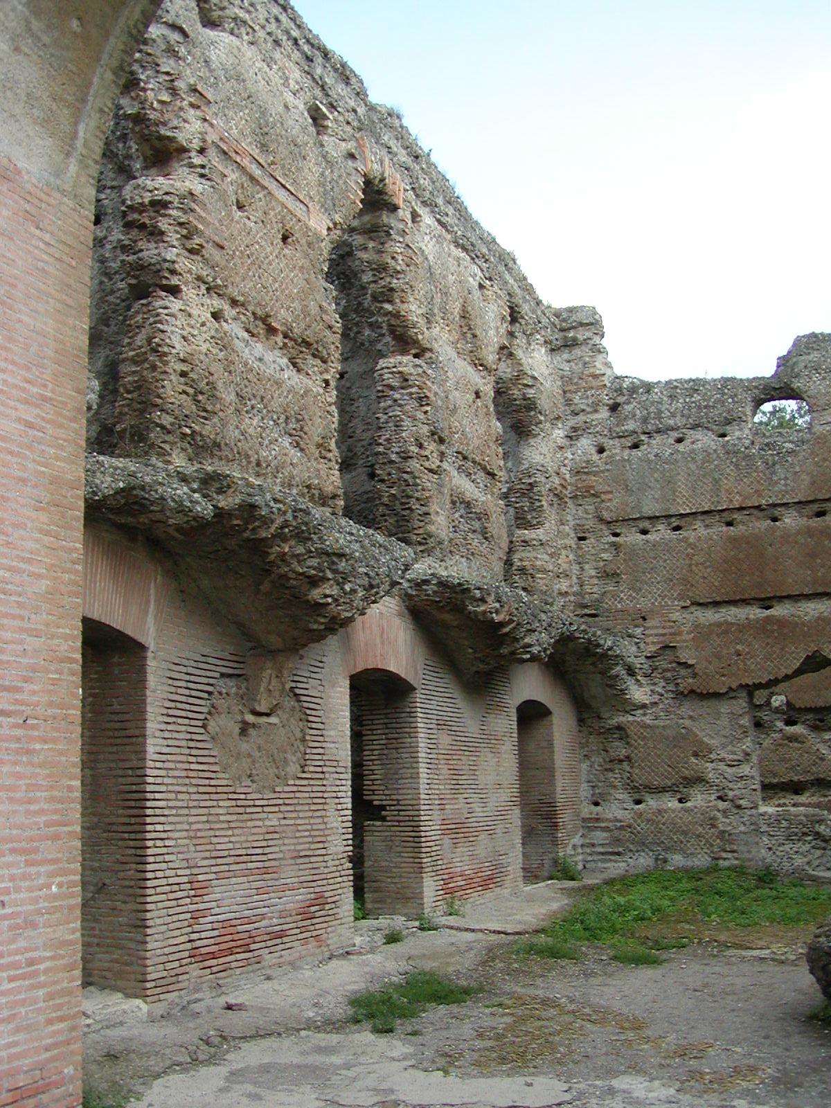 Hadrian's Villa - 2002-09-08-174820
