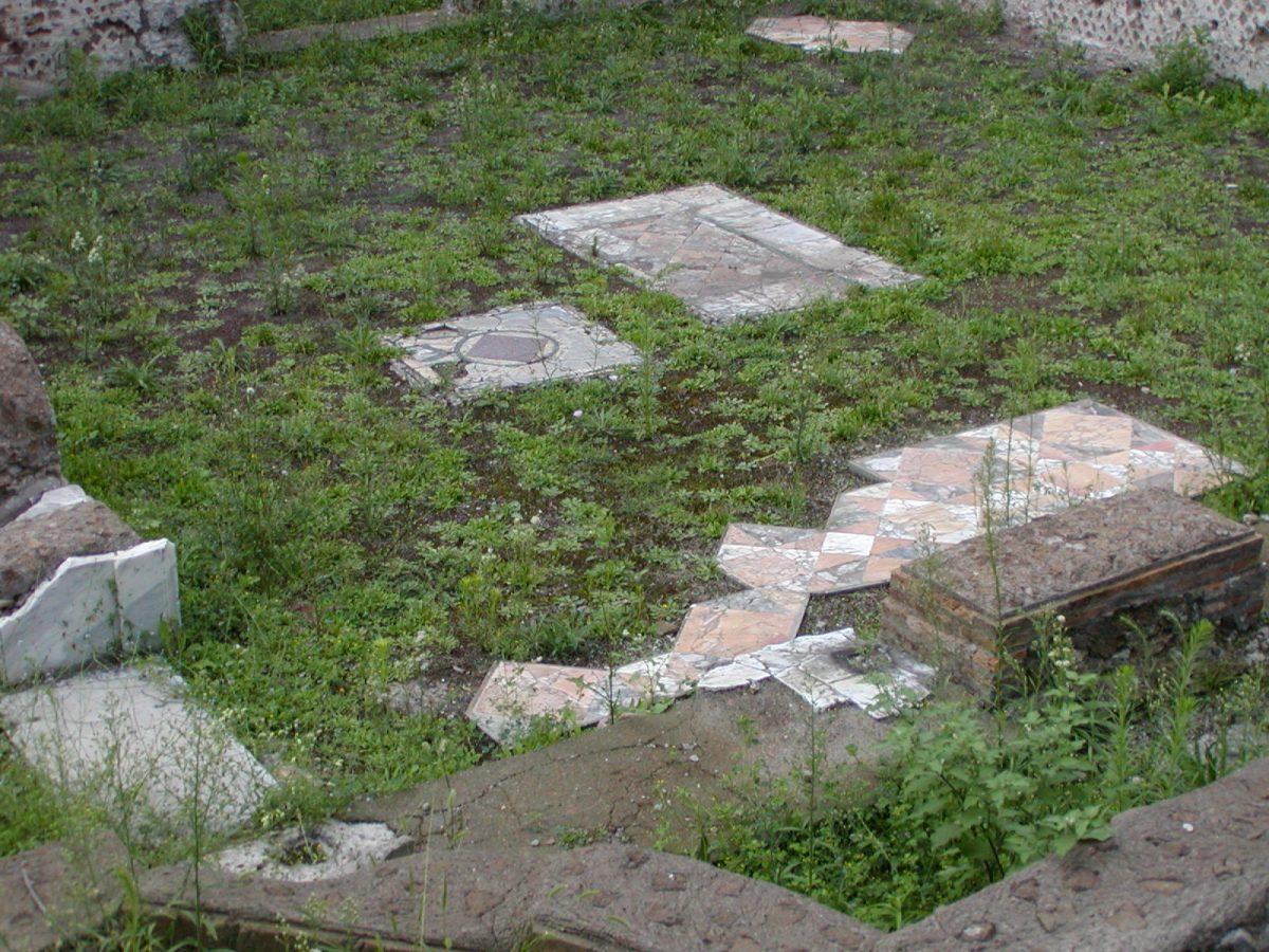Hadrian's Villa - 2002-09-08-180104