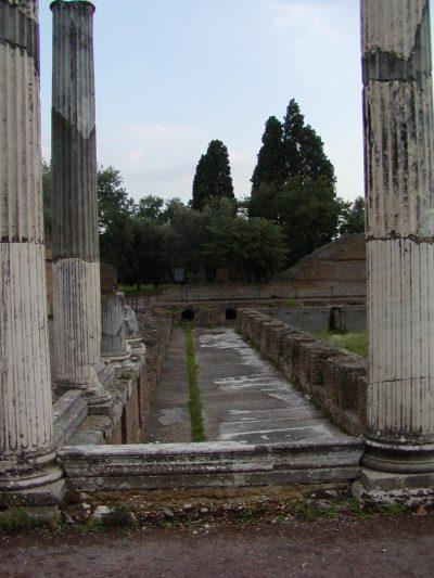 Hadrian's Villa - 2002-09-08-180339